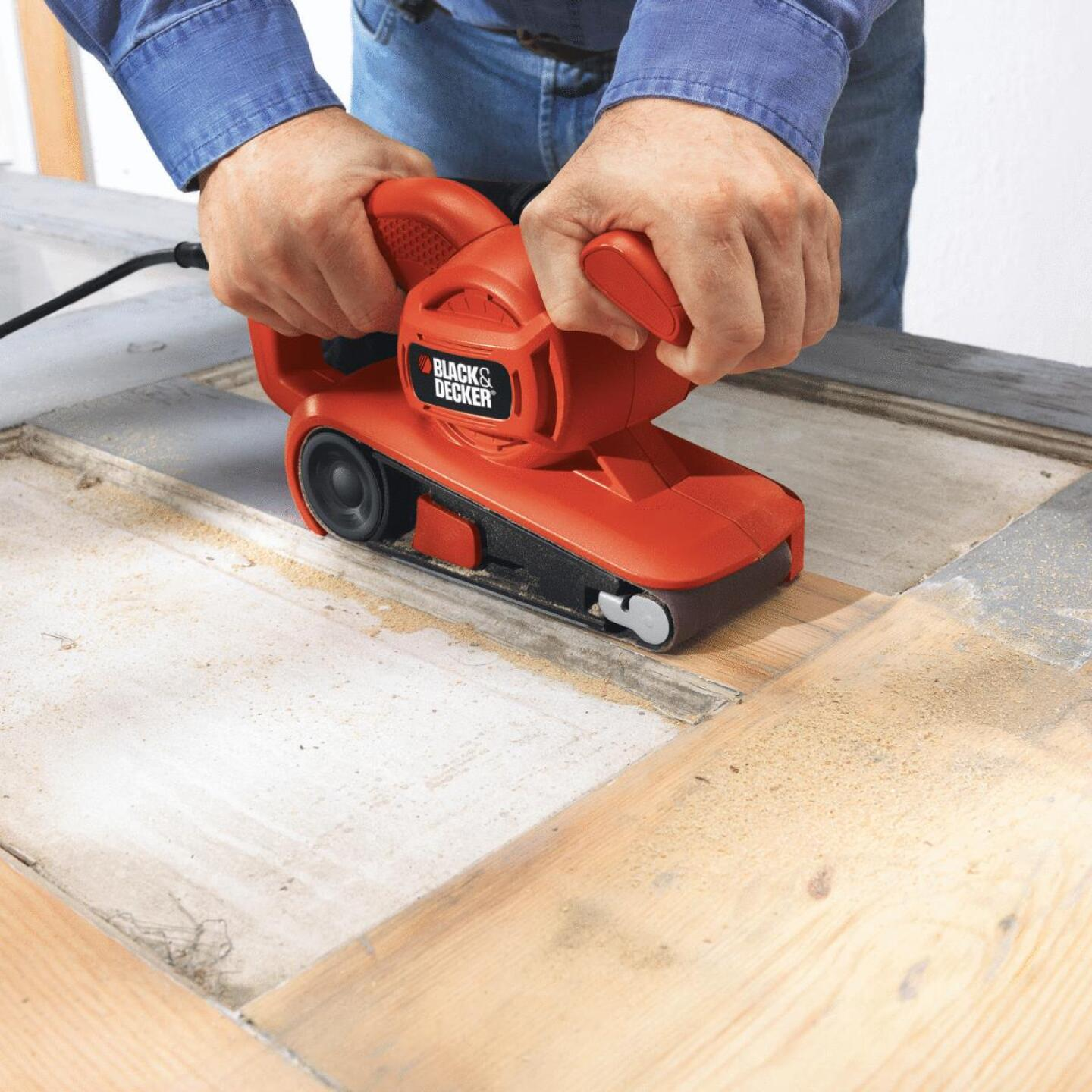 Black & Decker 3 In. x 18 In. Compact Belt Sander Image 2